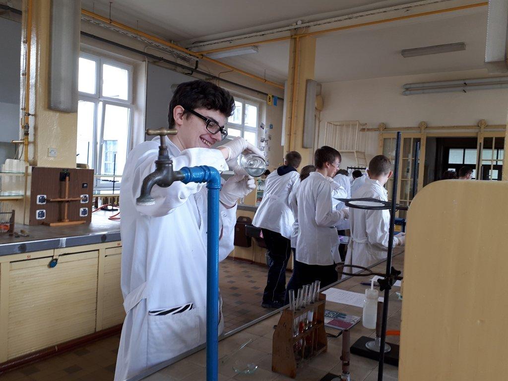 2018-laboratorium_chemiczne (2)