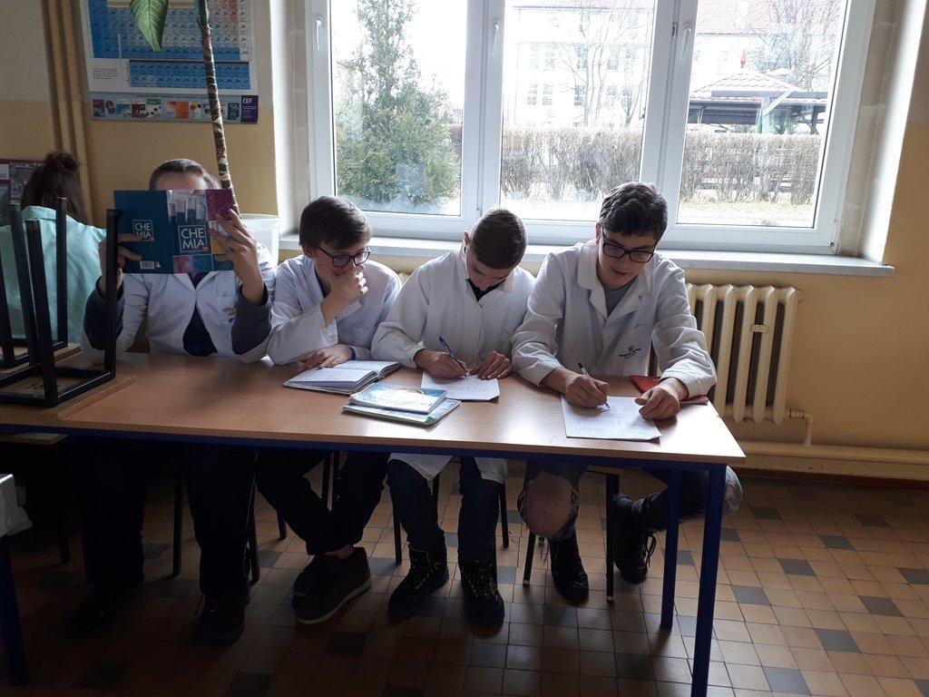 2018-laboratorium_chemiczne (9)